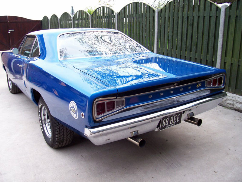 Simon's Super Bee